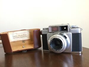 Vintage  Agfa silettante SL. Royal Canadian Army soldiers camera