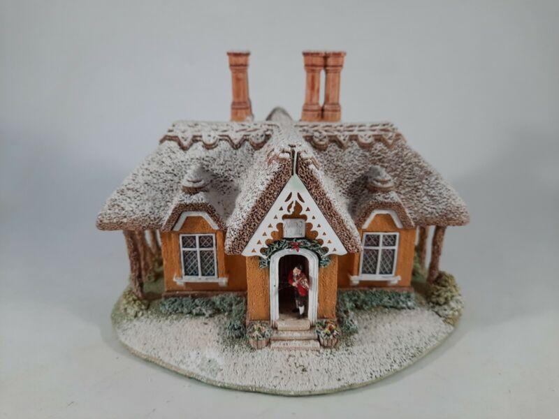 Lilliput Lane KERRY LODGE Handmade in England Christmas Lodge Collection