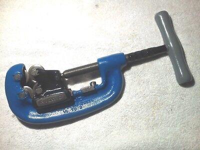 Ridgid Blue Model 42  4 Wheel Pipe Cutter