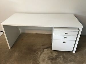 Desk and file drawer set