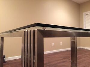 Modern Metal and Glass Dining Table Edmonton Edmonton Area image 4