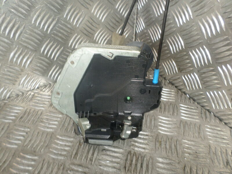 2006 LEXUS IS220D 4DR SALOON OSR DRIVERS SIDE REAR DOOR LOCK MECHANISM CATCHER