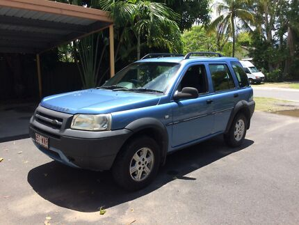 Randrover Freelander car with character Yorkeys Knob Cairns City Preview