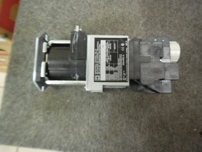 Schneider 8501XDO20XTE1V62 DC Timing Control Relay 115/125 VDC Square D