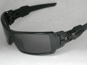 *NEW* OAKLEY OIL RIG 03-460 IN POLISHED BLACK WITH WARM GREY LENS