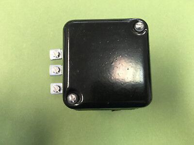 Oliver Diesel Tractor 6 Voltage Regulator Saddle Super 44 55 66 88 77 1118305