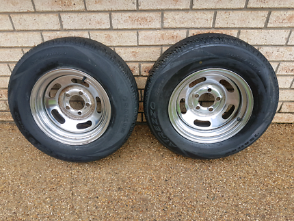 "2x Ford 14""×8""  steel rims and tyres."