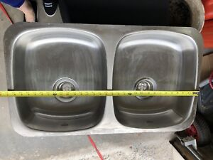 Double shallow sinks