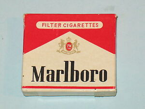 rare~ vintage MARLBORO FLAT ADVERTISING LIGHTER, UNUSED IN BOX, HARD TO FIND !!