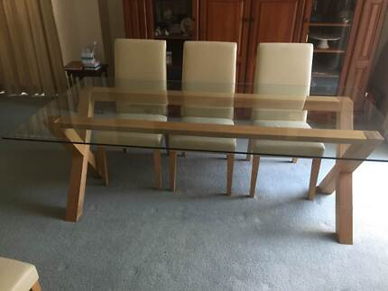 Contemorary dining table and chairs