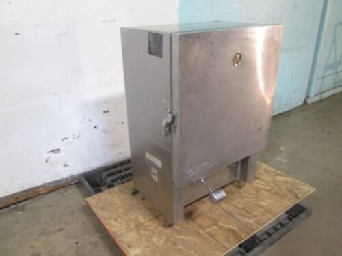 """AMERICAN INDUSTRIES B10C"" COMMERCIAL REFRIGERATED 2 FLAVORS BULK MILK DISPENSER"