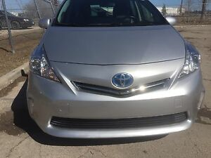 2012 Toyota Prius v Camera,smart key new safety