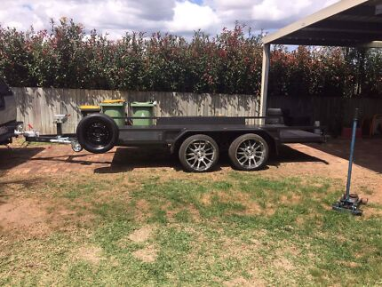 Car trailer hire / Tows