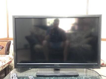 "Sony Bravia 40"" HD LCD TV"