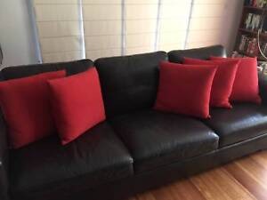 5 x Large RAPEE Red Cushions for Living Room / Bedroom / Home Doreen Nillumbik Area Preview