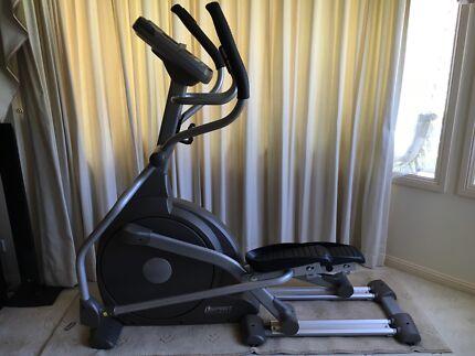 Spirit fitness cross trainer