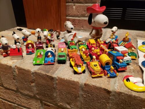 Vintage Peanuts Snoopy collection