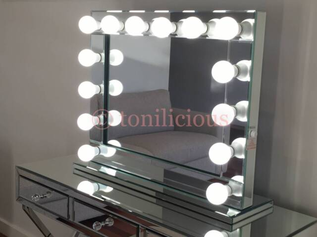 hollywood makeup mirror with lights vanity make up beauty mirror mirrors. Black Bedroom Furniture Sets. Home Design Ideas