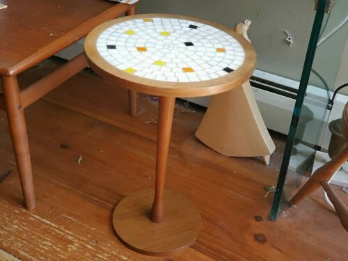 tile tulip table martz / ?  DELIVERY AVAILABLE vtg mid century modern