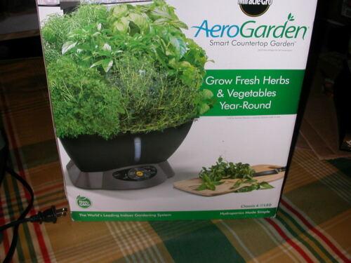 AeroGarden Classic 6 Countertop Hydroponic LED Stand & Bonus Seed Starter Tray