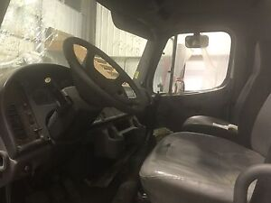 2006 Freightliner M2 class for parts 6 spd trans