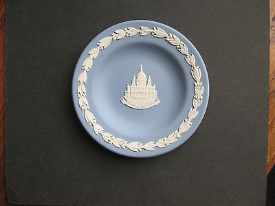 Wedgewood -  Decorative Plate ( St. Pauls Cathedral ) Blue an White