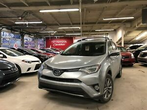 2017 Toyota RAV4 Limited / Awd / Cuir / Toit / Bluetooth ++