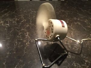 Retro Vintage Open Single Blade Table Fan