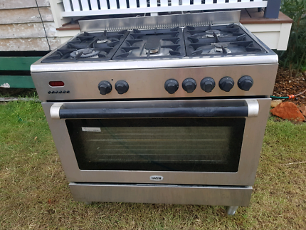 IAG Electric Oven / Gas cooltop