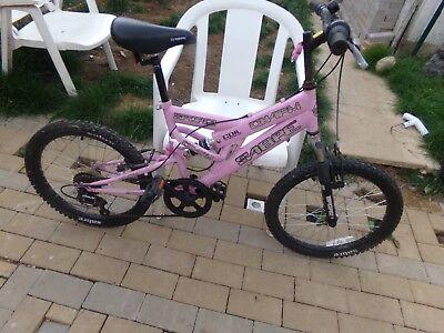 a pink sabre girls bike