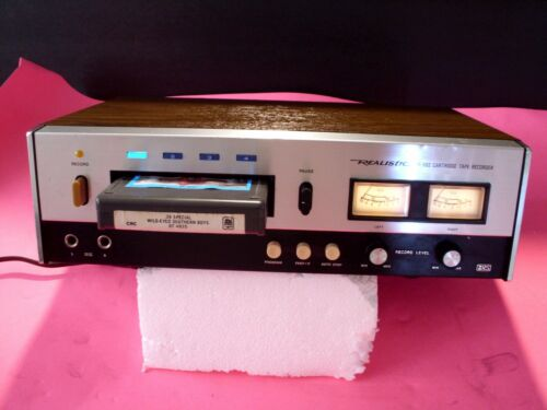 8 TRACK PLAYER REALISTIC TR-882 VERY CLEAN WORKS PERFECT  TECH SERVICED