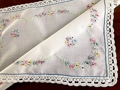 """VINTAGE HAND EMBROIDERED CROCHET WHITE Cotton TABLE CENTRE TROLLEY CLOTH 16x20"""""""