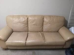 3 seater lounge for FREE (pick-up only) Rutherford Maitland Area Preview