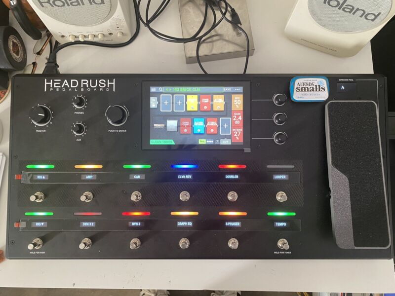 Head Rush Pedalboard Amp and FX Modeling Processor