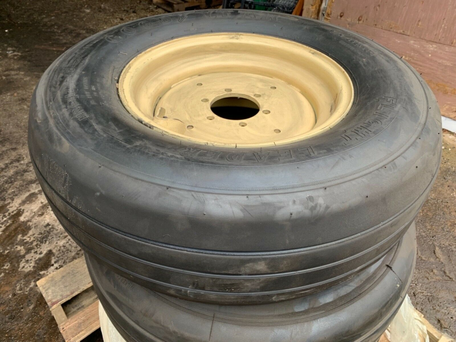 Set Of Four Goodyear 362K82-1 Flight Leader H36x12.0-18-18 225 Aircraft tires