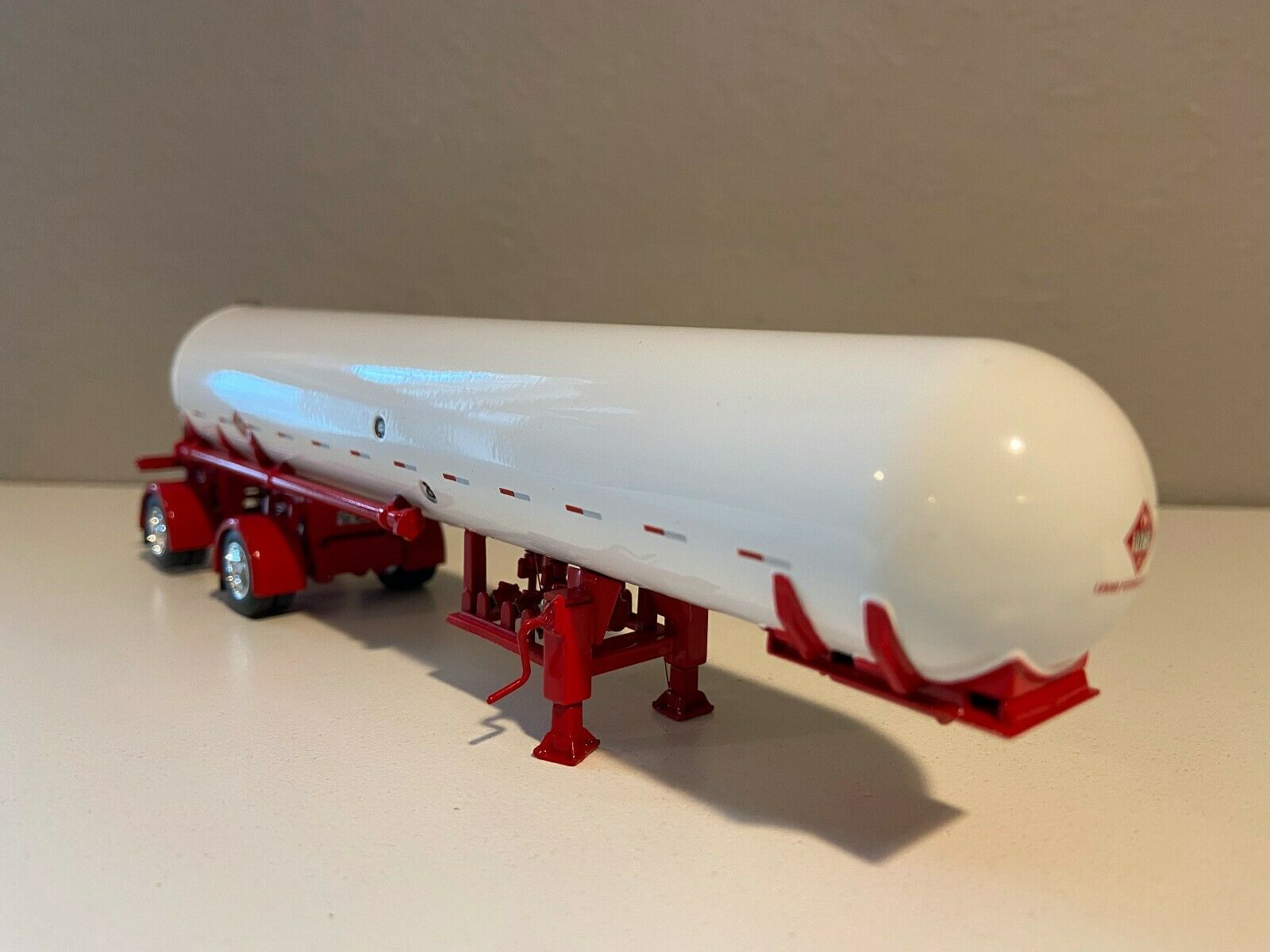 DCP 1/64 White & Red Spread Axle Propane Tanker Trailer W/ Show Fenders