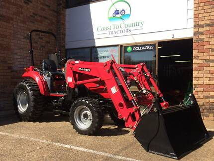 34hp Mahindra Tractor with Front End Loader and 4in1 Bucket Browns Plains Logan Area Preview