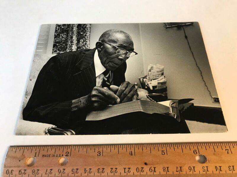Vtg African-American Older Man in Suit Reading Bible Book old Photo Salisbury NC