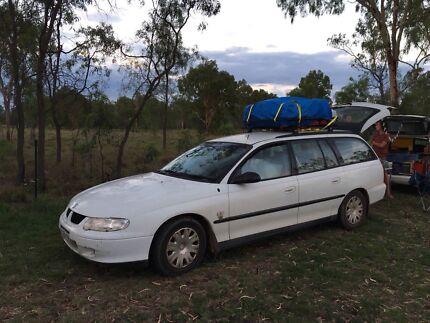 Holden commodore 2001 automatique 221800 km