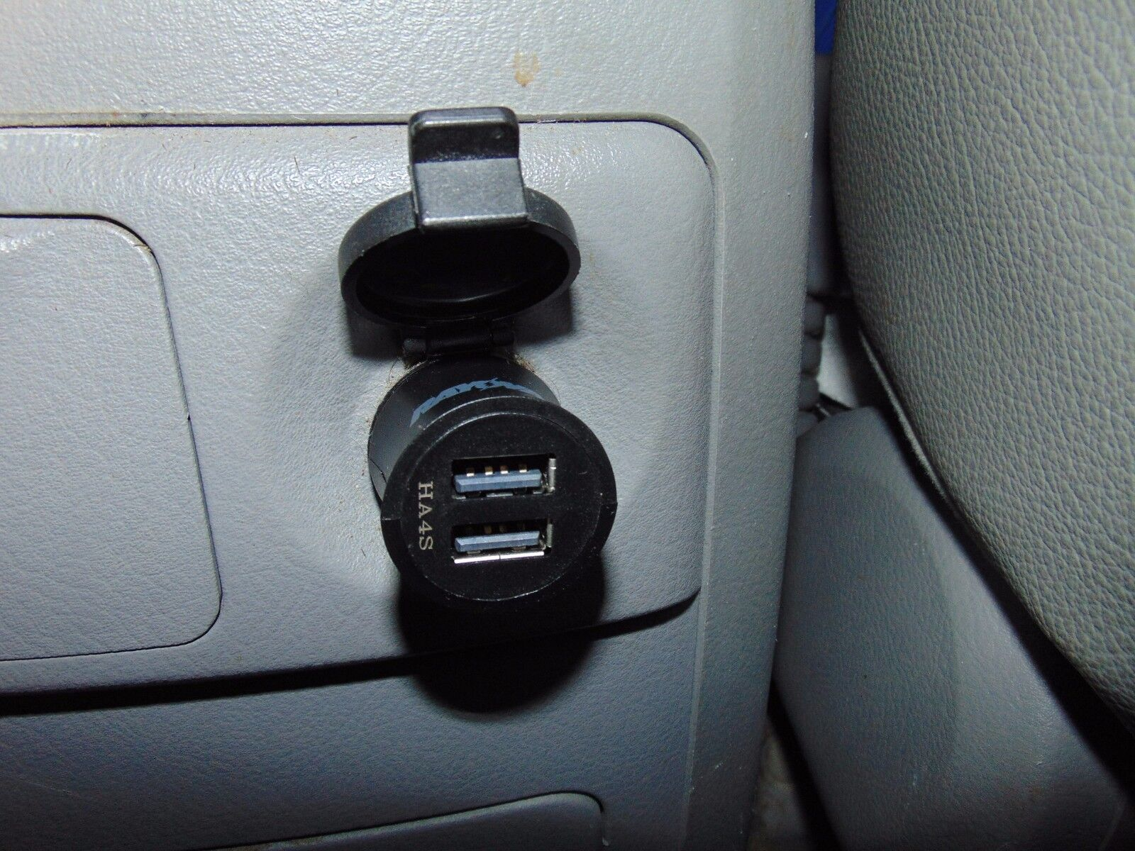Rayovac PS70 Dual USB Car Charger - Fast Charge: 2 Amp Output MUST SEE!!!