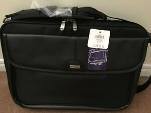 "NEW - 16"" Trademark Standard Laptop bag"