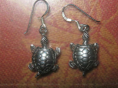 925 STERLING SILVER MOVABLE MOVING TURTLE TORTOISE DANGLE CHARM EARRINGS