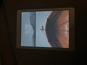 iPad 5th Gen 32Gig with Apple Care +Cases, Wireless keyboard