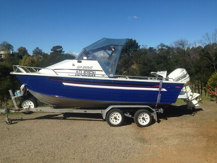 Quintrex 580 sea raider half cabin boat Kurrajong Hawkesbury Area Preview