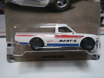 2018 HOT WHEELS Datsun 620 White red blue 4/8 Nissan Truck
