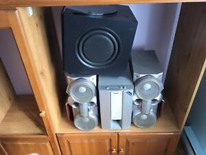 2 Subwoofers And Speakers Selling 50$