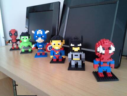 Toys : Mini Puzzie Avengers Collection.