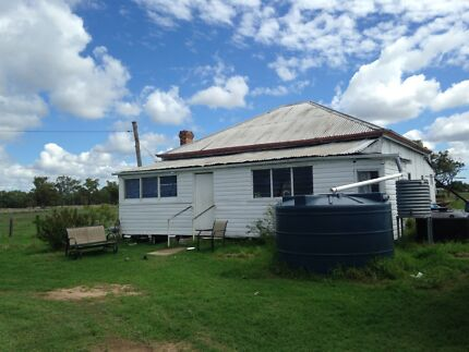 3 bedroom house on 2 acres Texas Inverell Area Preview