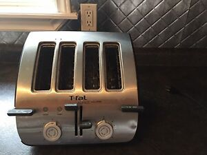 T_Fal 4-Slice Toaster in Excellent Condition