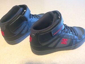 DC basketball shoes for boys